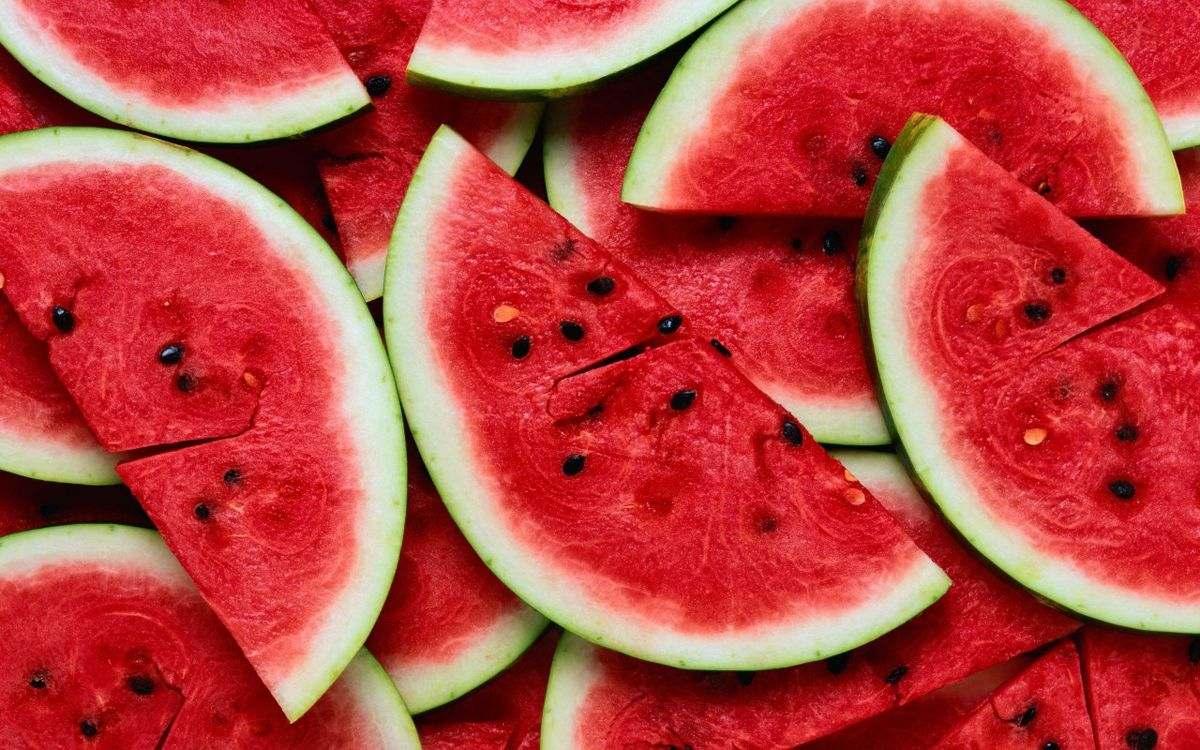 خوراکیهایی که از پیری پوست در اثر نور خورشید جلوگیری میکنند